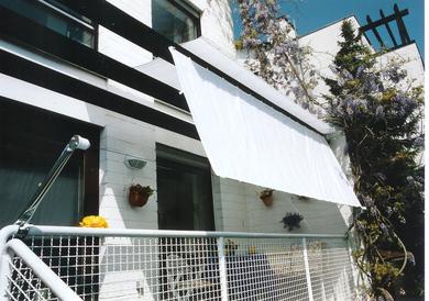 balkone mit handlauf. Black Bedroom Furniture Sets. Home Design Ideas