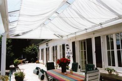 planungshilfen f r sonnenschutz unterm glasdach. Black Bedroom Furniture Sets. Home Design Ideas